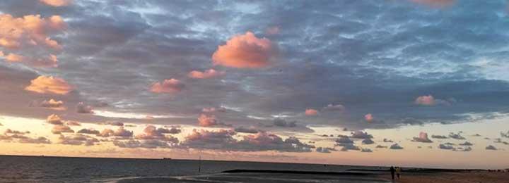 Denn Deine Güte reicht, so weit der Himmel ist,  Deine Treue, so weit die Wolken ziehen. (Ps 108,5)